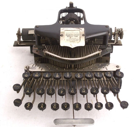 The Postal typewriter of William Quentell