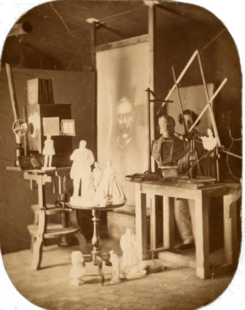 The projection apparatus and pantograph in the studio of Willème