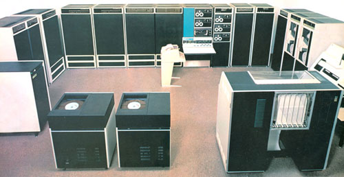 The replica of the Calculating The first PDP-10 model (KA10)