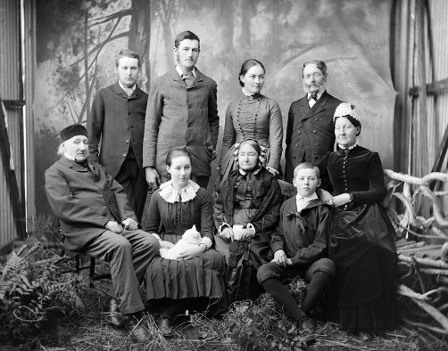 Dr John Danforth Greenwood (far left) and his wife Sarah Fields-Greenwood (far right), with family members in between (a photo from early 1850s)