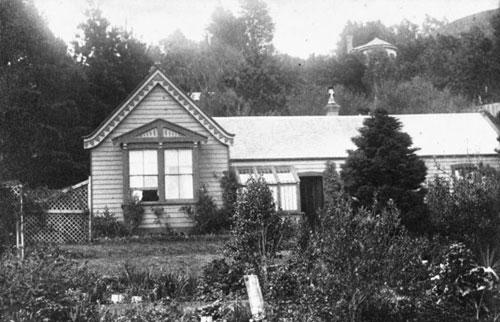 The house of Stowe family at 2 Tinakori Road, Wellington