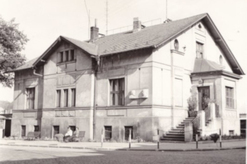 house of Dr. Antonin Čapek and his family in Upice