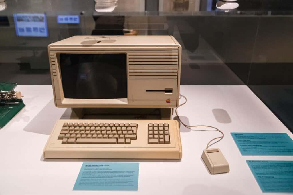 The Lisa 2 computer
