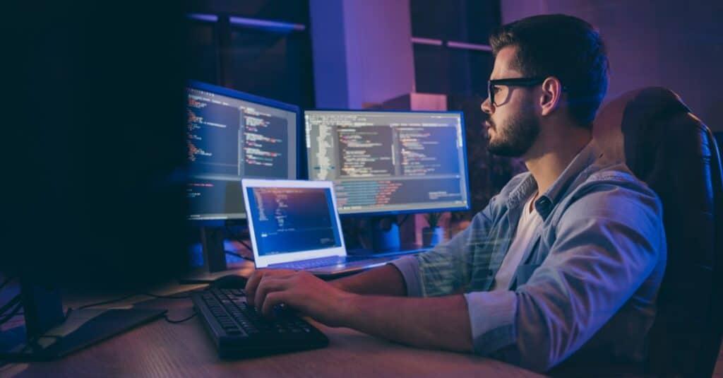 XML programmer writing code