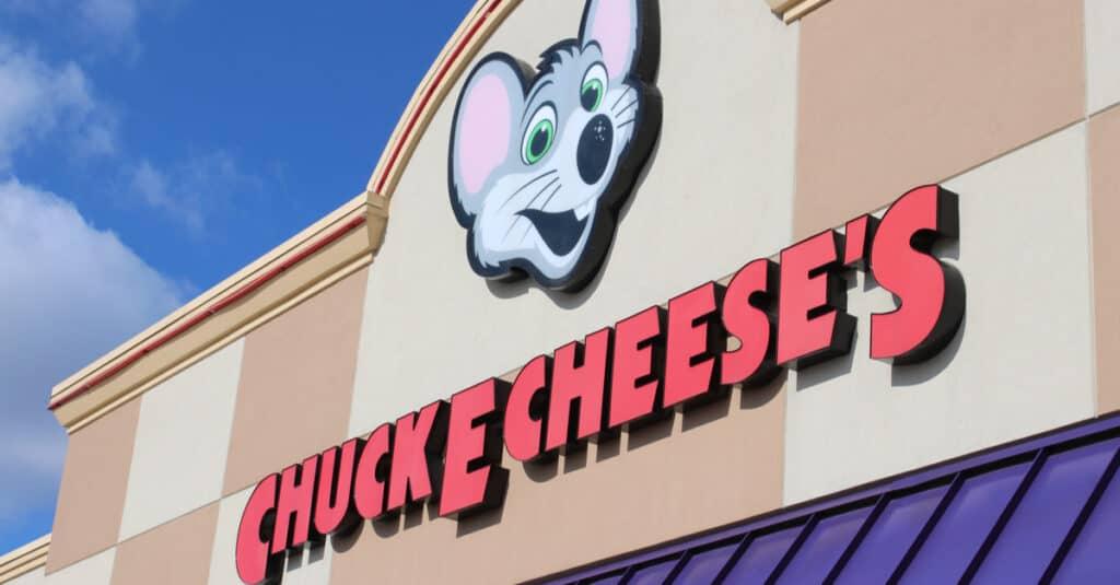 Chuck E. Cheese's exterior shot
